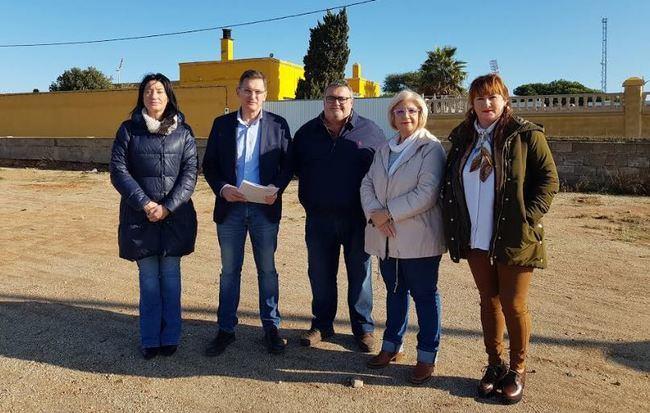 """El PSOE advierte de """"otro año perdido"""" para el hospital de Roquetas y el IES de Las Salinas"""