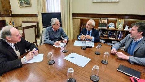 El subdelegado del Gobierno en Almería trata con Asempal las infraestructuras