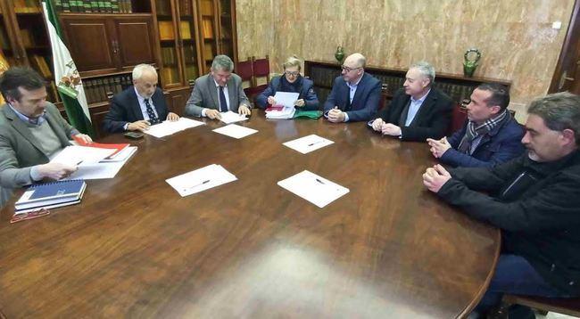 Reunión del subdelegado del Gobierno con Ashal