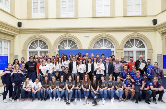 Diputación entrega a seis clubes de la provincia ayudas para llevar a la élite el deporte almeriense