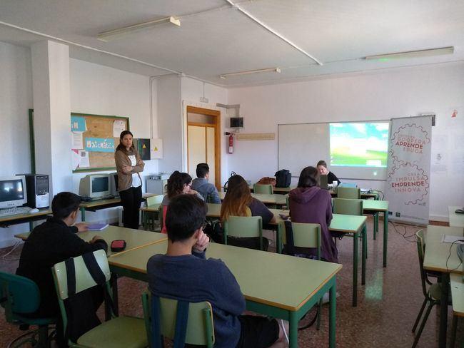 Alumnos del IES Entresierras de Purchena aprenden a crear empresas