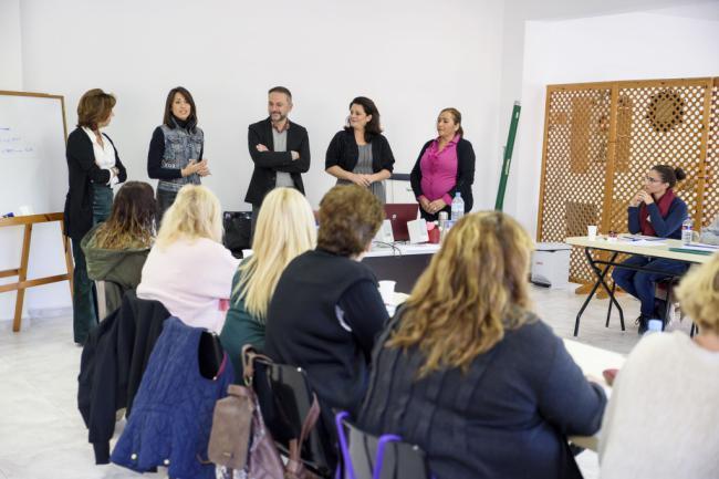 Diputación forma a desempleados en atención sociosanitaria para dependientes