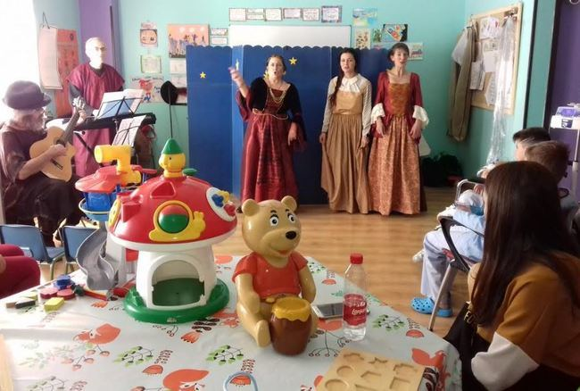Música, teatro y actividades lúdicas llenan el programa navideño del Hospital de Poniente