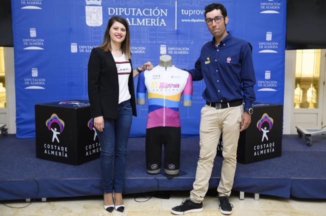 La 12H Trackman Cycling Andalucía Circuit convierte a Almería en referente internacional del ciclismo