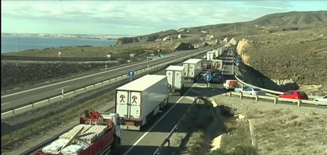 Se prevén 7.000 desplazamientos en este puente en Almería