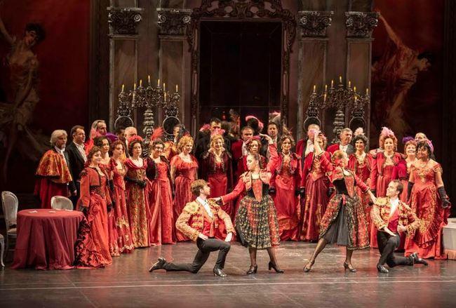 'La Traviata' emociona a los almerienses