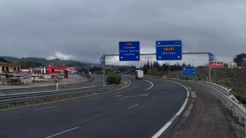 El tráfico en las carreteras autonómicas de Almería cae un 70%