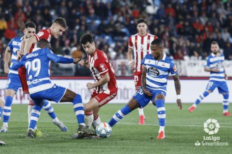 4-0: El Almería se reencuentra con la victoria