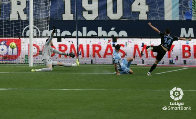 0-3: El Almería sigue mirando al ascenso directo
