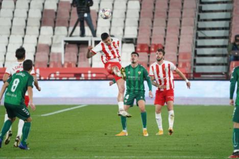 3-1: El Almería prolonga su buena racha ganando al Castellón