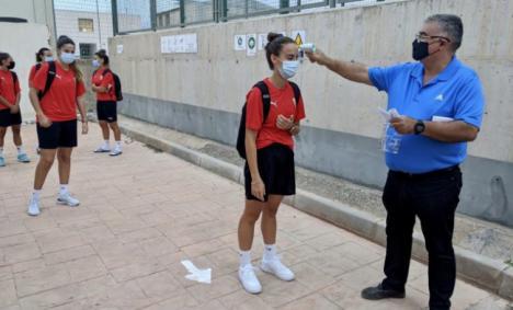 El Almería femenino comienza a hacer trabajo de campo después de seis meses