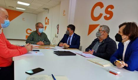 Ciudadanos Almería retoma las reivindicaciones de la Mesa del Tren
