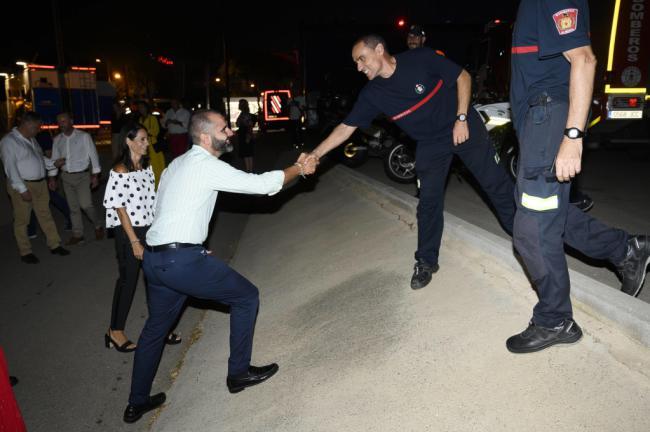 Visita del alcalde a las Fuerzas de Seguridad de la Feria