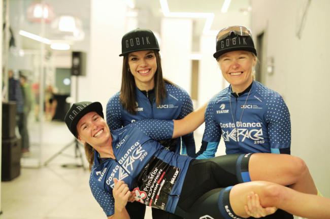Githa Michiels y Bec McConnell dominan la Costa Blanca Bike Race