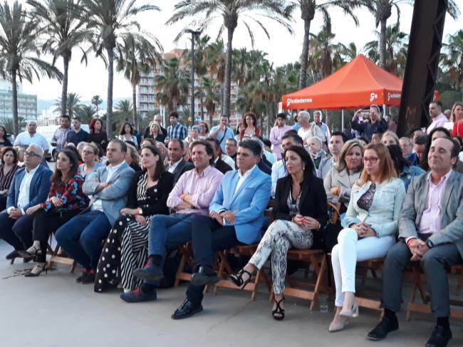 """Cazorla anima a """"pintar de naranja el cambio que Almería demanda"""""""
