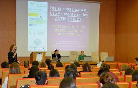 """""""El antibiótico es el único fármaco cuyo uso repercute en la salud pública"""""""