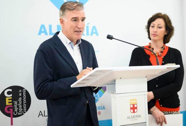 María Vázquez presenta las XVI Jornadas de Actualización en Vacunas