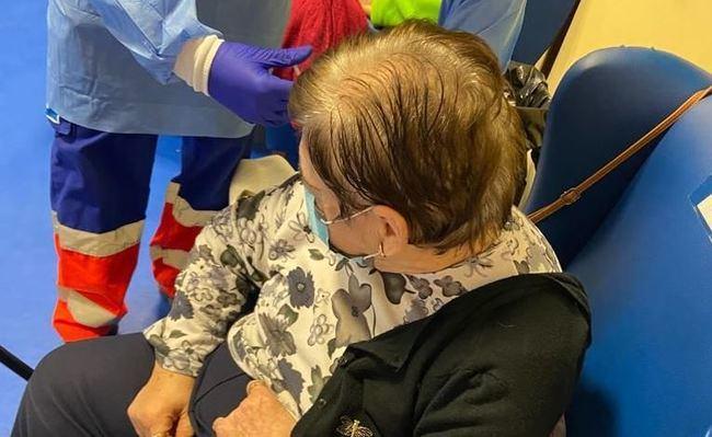 La vacuna llega a Usuarios Y Personal Del Centro Día De Vícar