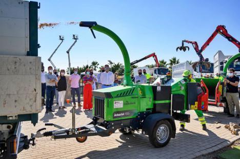 Nueva maquinaria del servicio de jardines con un óptimo aprovechamiento del agua