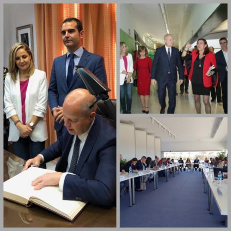 Imbroda aboga en Almería por seguir aumentando la escolarización en el primer ciclo de infantil