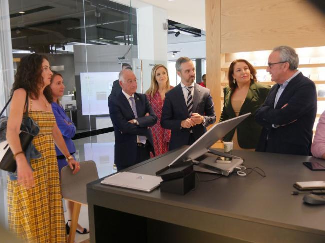 """La Junta quiere que la ampliación de Cosentino sea un """"ejemplo de éxito"""" en Andalucía"""
