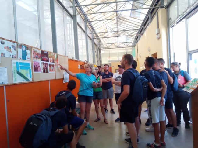 Alumnos de la Escuela Taller 'Vivero Provincial' conocen el modelo de Clisol