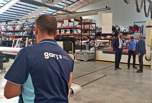 La Junta destina 206.000 euros la mejorar la competitividad de Uniformes Gary's