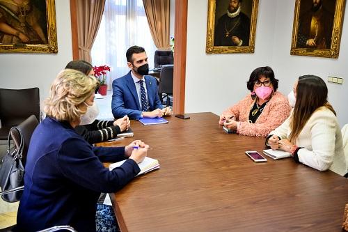 Ayuntamiento y Colegio de Enfermería mantienen líneas de colaboración