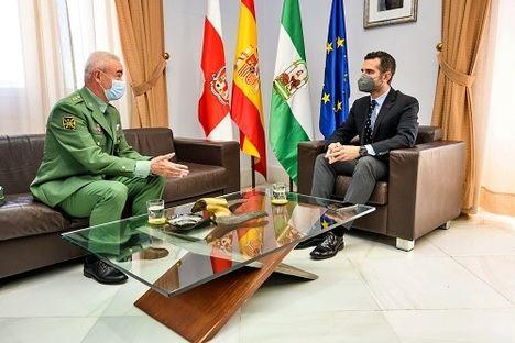 El alcalde recibe al general Melchor Marín Elvira, al mando de la Brigada de la Legión