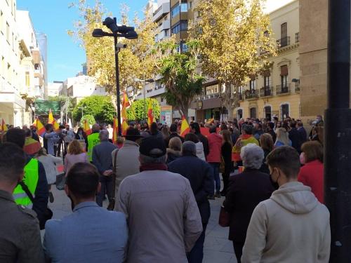 Vox pide al Gobierno andaluz que 'aparque' las políticas que llevan 'a la confrontación entre españoles'