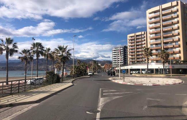 Obras en la Avenida de Cabo de Gata obliga a cambios en el tráfico