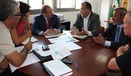 La Junta y los ayuntamientos de Vera y Garrucha analizan la ejecución del desdoblamiento de la carretera A-1200