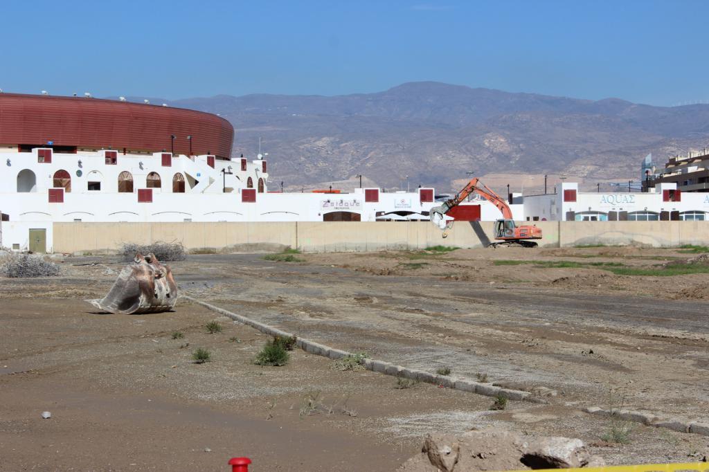 El alcalde de roquetas pone la primera piedra del parque - Colegio arquitectos almeria ...